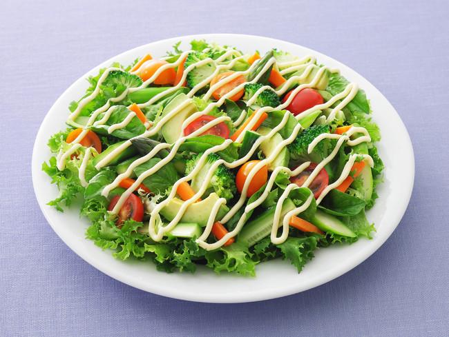 ブロッコリーとアボカドのグリーンサラダ