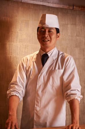 <料理長 大角公彦 氏>