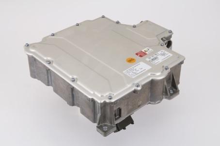 「Audi e-tron」向けインバーター