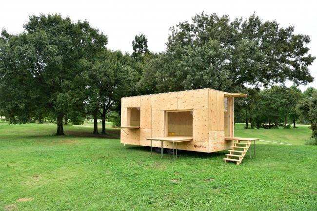 スノーピーク社製の「住箱(ジュウバコ)」を改修したコワーキングスペースを設置します。