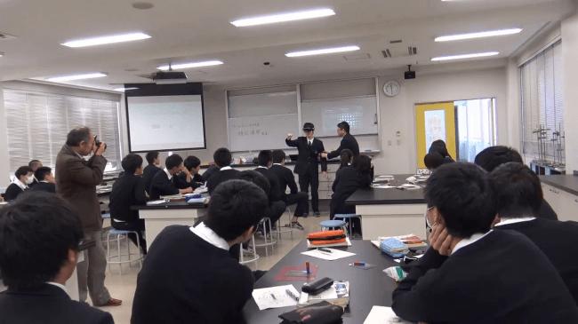 複合現実技術を使った実際の授業(三重高校)の様子