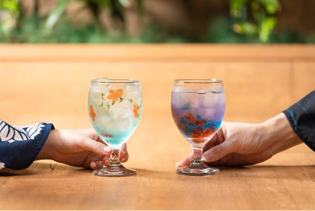 左「金魚鉢ソーダ」、右「花火ドリンク」イメージ