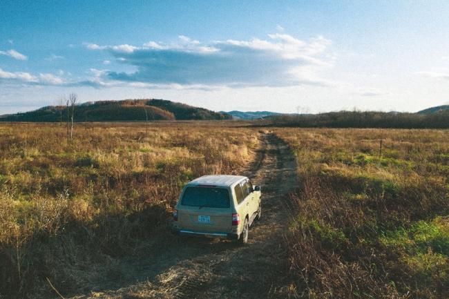 貸出車両例:ランドクルーザーBAMBA使用イメージ