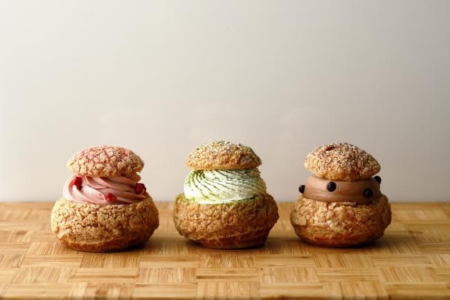 テイクアウト用「本日のシュークリーム」350円(税込) (左から「苺」、「抹茶」、「チョコレート」)