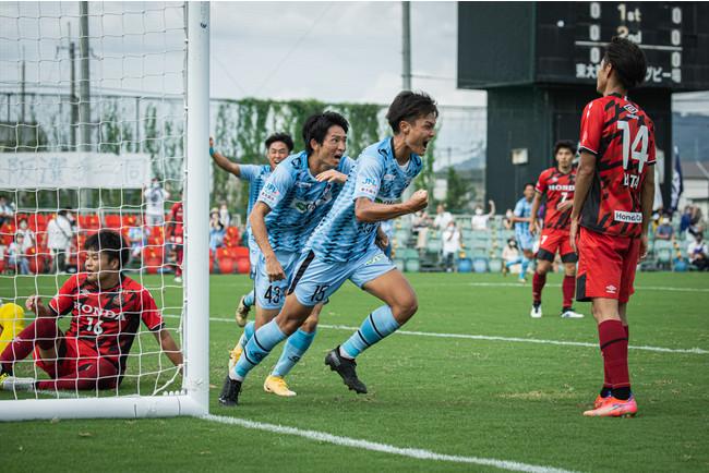 先制点となる得点をあげ、喜ぶMF和田(Photo:宮西 範直)