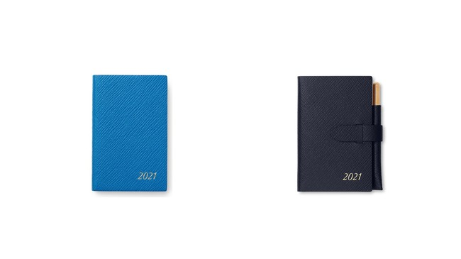 (左)2021年 Wafer ポケット付きダイアリー アジュール ¥8,600 (税込) (右)2021年 Wafer ギルトペンシル付きダイアリーブラック ¥13,000 (税込)