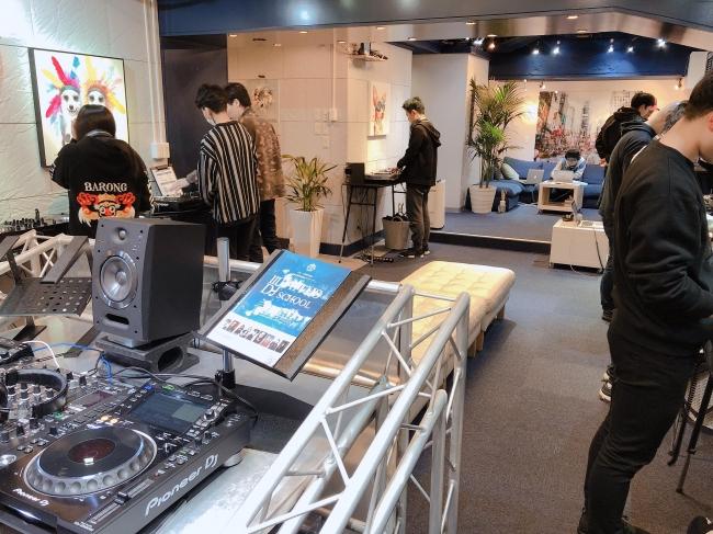 一般社団法人日本DJ協会が、都内のDJスクール5校と提携