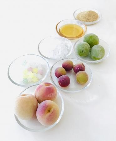 梅5種類、お砂糖5種類からお好みの素材を選べる。