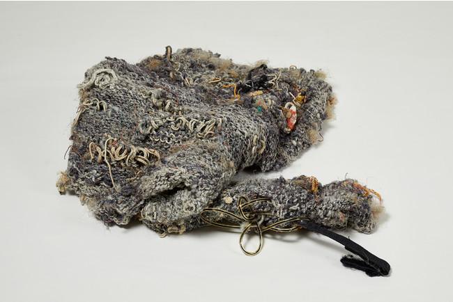 ゴミが糸になる/草原のセーター、都会のセーター 2017-