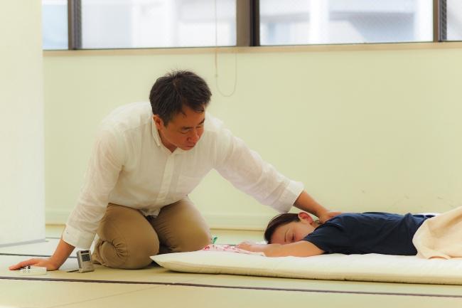 当治療室の指圧は柔らかいけど深く入る圧を特徴としています