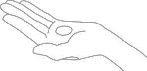 洗顔後、手のひらに適量 (1~3 滴)をとります。