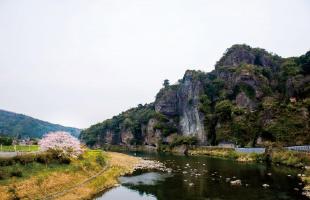 福澤諭吉が守った景観の競秀峰
