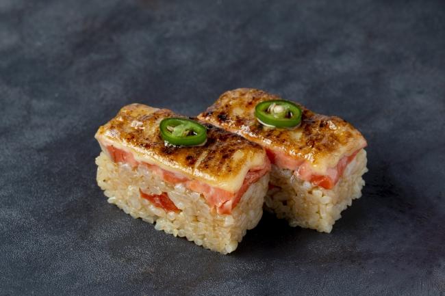 「炙りサーモン押し寿司」