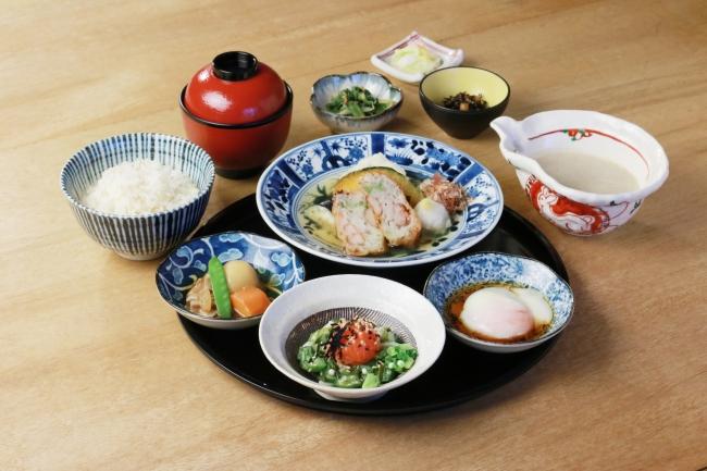 「海老ねぎとろろ揚げ入り 豆腐とお野菜の出汁あんかけランチ」