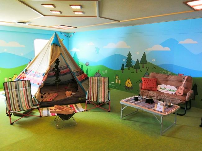阪九フェリー内に現れたキャンプ場『映えキャンスタジオ』