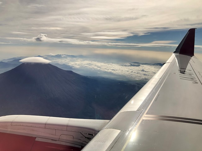機窓からの富士山