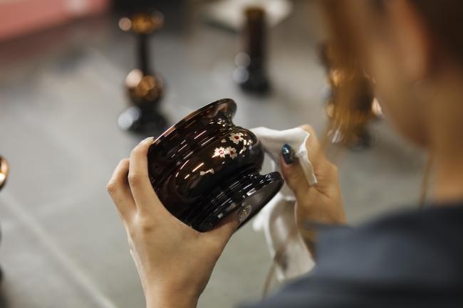 彫金でき美しく仕上がった机上香炉