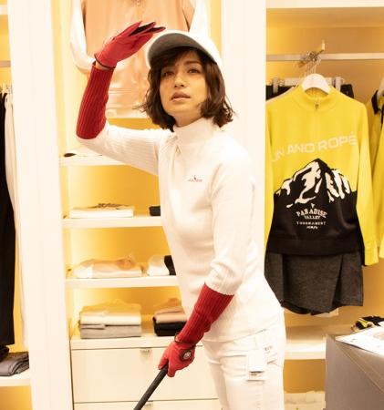 【佐田真由美/モデル】 ゴルフデビューに挑戦するシリーズ連載をスタート