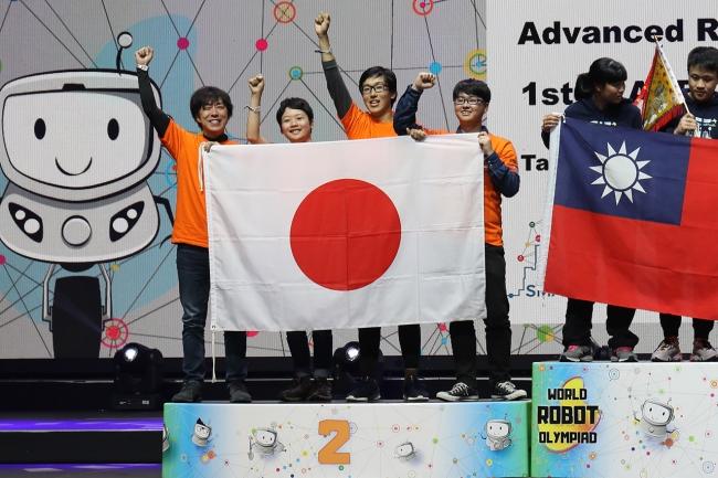 銀メダルを獲得したKAIT Specialists
