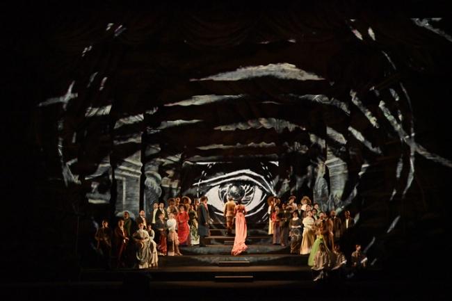 オペラ『魔笛』(2018年公演 写真:寺司正彦)