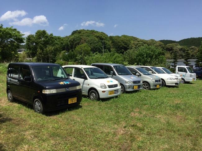 九州支部の駐車場に並ぶ活用予定の車