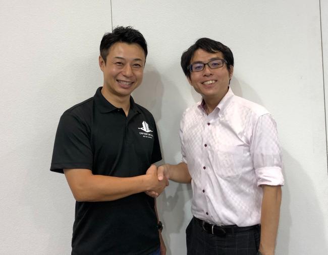 株式会社OWNERS CLUB代表岩屋氏(左)と渡邊総合事務所代表渡邊氏(右)