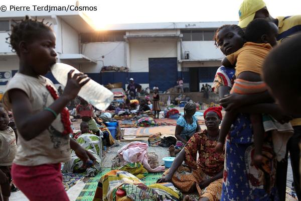 中央アフリカ共和国:避難民キャ...