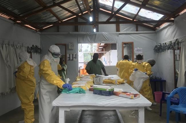 カトゥワのエボラ治療センター (C) Lisa Veran/MSF
