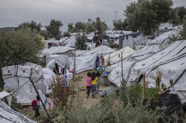 ギリシャ・レスボス島のモリア難民キャンプ。3000人を収容するために作られたキャンプに1万3000人が暮らしている(2019年10月時点) (C) Anna Pantelia/MSF