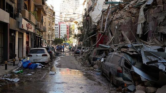 大きな被害を受けたベイルートの市街地 (C) Mohamad Cheblak/MSF
