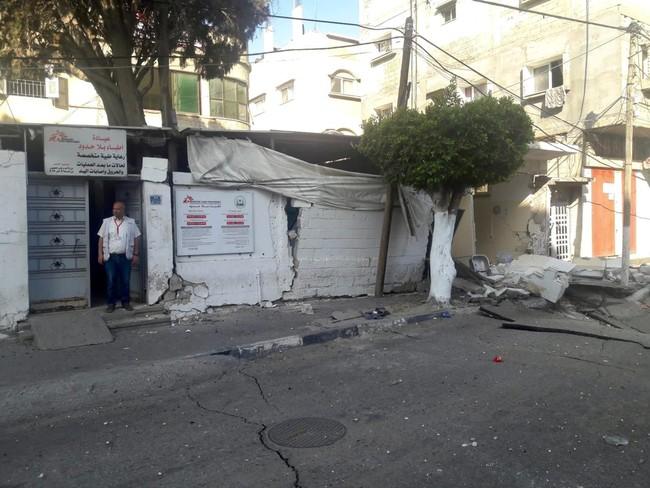 空爆の被害を受けた診療所 閉鎖を余儀なくされている  (C) MSF