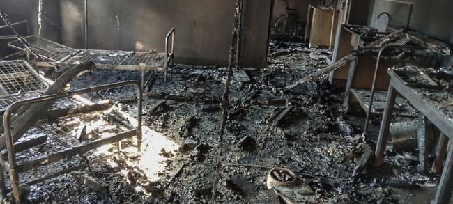 焼失したボガ総合病院=6月8日 コンゴ民主共和国保健省提供