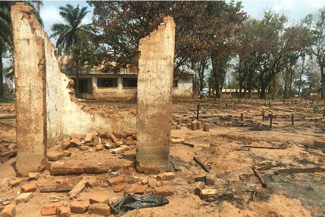 バンバリ郊外に2013年に設置されたエレバージュ避難民キャンプは先月上旬、破壊され焼失した=2021年6月 (C) Vivien Aristide/MSF