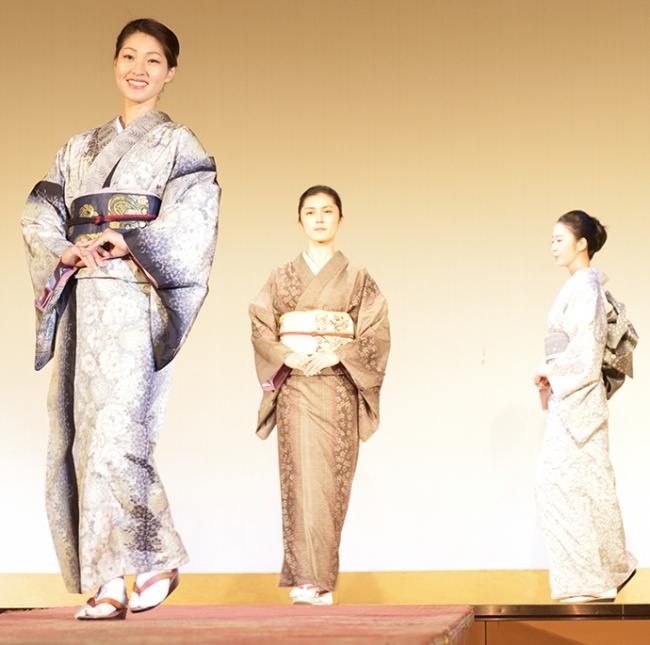 本場大島紬和装ファッションショー
