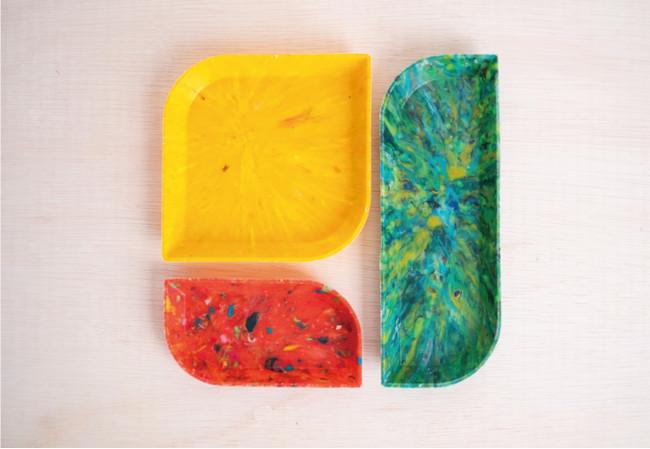 クリップトレイ(赤)、ペントレイ(緑)、ツールトレイ(黄)