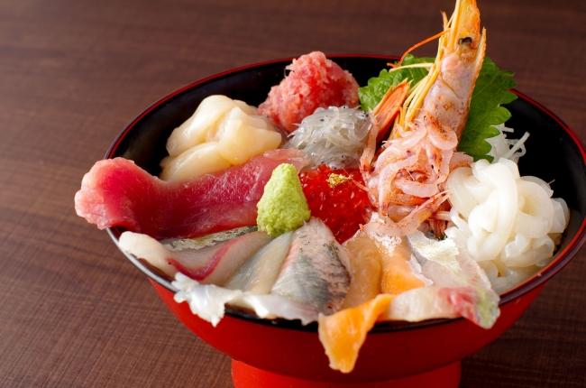 特選日替り海鮮丼1,180円(税抜)