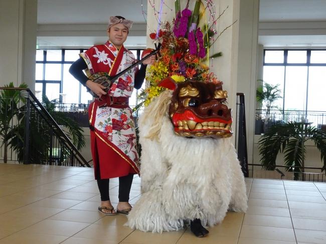 琉球獅子舞の練り歩き