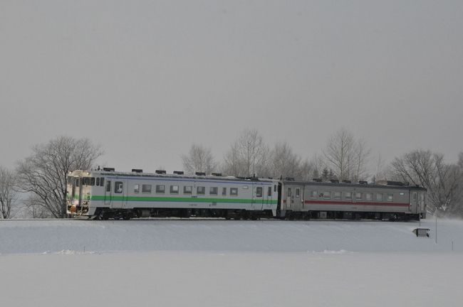 冬のオホーツクの景観と鉄道の魅...