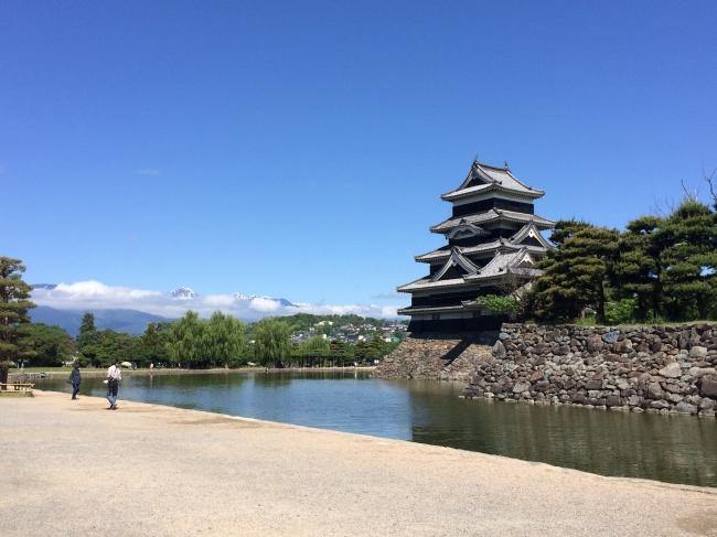【松本城】北アルプスに映える漆黒の連立複合式天守