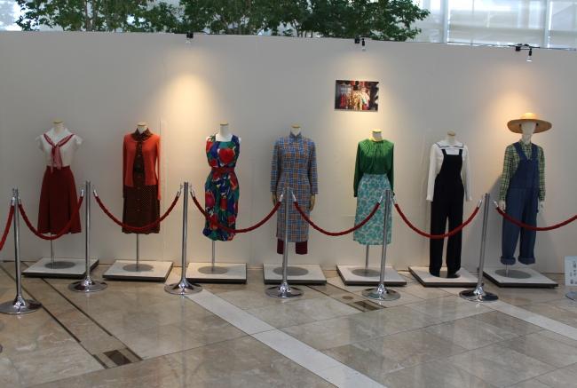 ヒロイン・なつの成長の衣装も展示