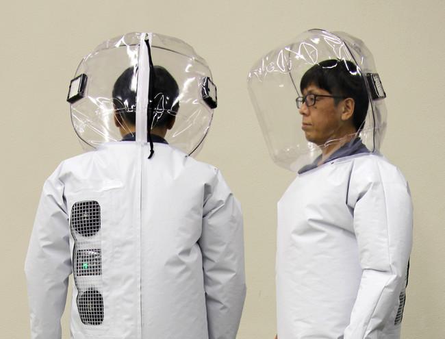 メディコン2型の背中と頭部のHEPAフィルター