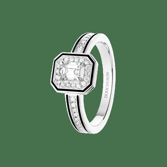 「ヴァンドーム リズレ」リング 763,636円(WG, ダイヤモンド, センターストーン0.3ct、ブラックラッカー)