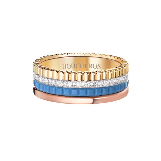 「キャトル ブルー ダイヤモンド リング スモール」 YG、 WG、 PG、ダイヤモンド、ブルーセラミック ¥800,000(税込/予価)