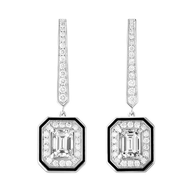 「VENDÔME LISERE ヴァンドーム リズレ スリーパーイヤリング」 WG、エメラルドカット ダイヤモンド 0.3ct (2石)、ラウンドカット ダイヤモンド、ブラックラッカー ¥1,404,000(税抜)