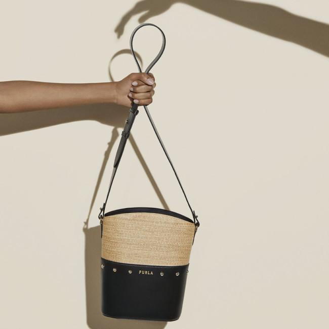 FURLA SHARE MINI BUCKET BAG 49,500円