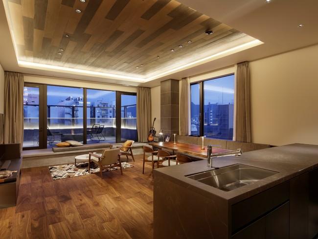 キッチン、ダイニング付のPENTHOUSE SUITE 広さは80平方メートル