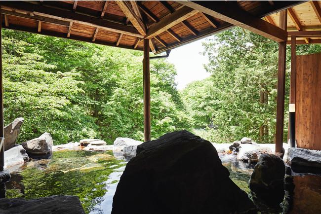 渓流を望む女性専用露天風呂「天与の湯」