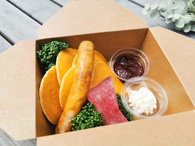 鎌倉ハムのソーセージとミニパンケーキ