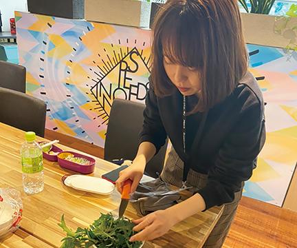 農薬不使用の味わい深い野菜を弁当と一緒に