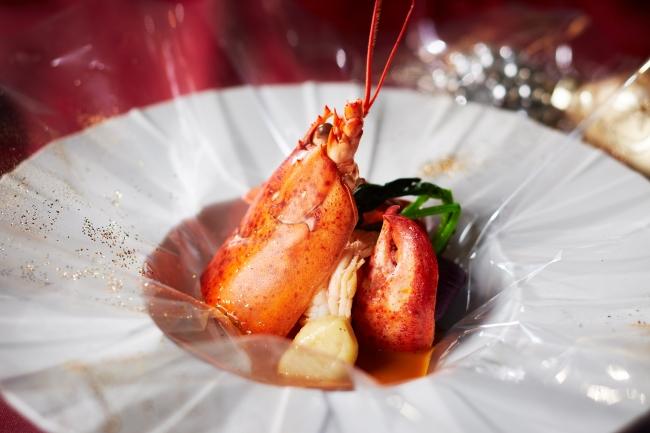 魚料理(オマール海老の包み焼き)